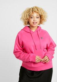 Fila Plus - FLORESHA HOODY - Jersey con capucha - pink yarrow - 0