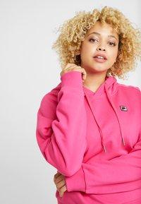 Fila Plus - FLORESHA HOODY - Jersey con capucha - pink yarrow - 3