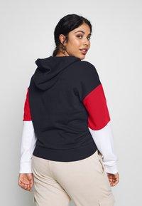 Fila Plus - BARRET CROPPED HOODY - Hoodie - black iris/bright white/true red - 2