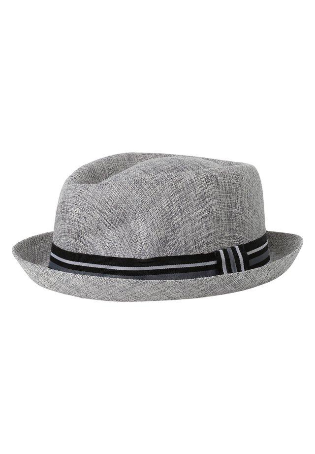 Hat - grau