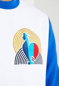 French Kick - COCORICO - Collegepaita - white/electric blue - 5