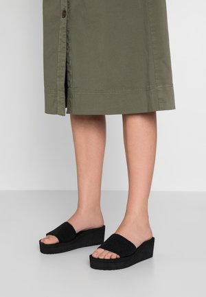 POOL WEDGE CAVIA - Heeled mules - black