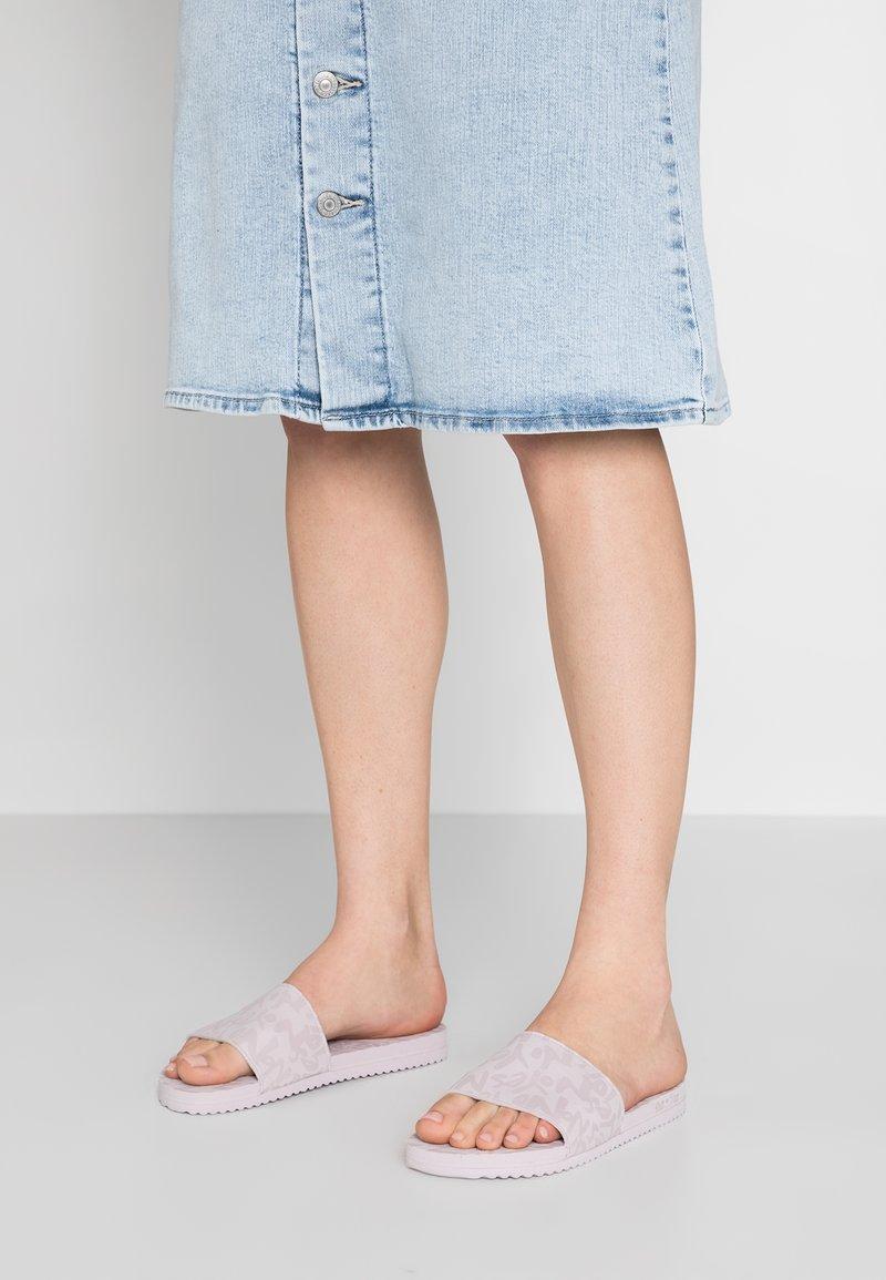 flip*flop - POOL YES NO - Sandalias planas - light lilac