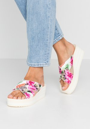 PLATEAU CROSS ALOHA - Heeled mules - marshmallow