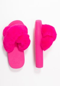 flip*flop - FAT CROSS  - Mules - very pink - 3