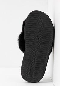 flip*flop - FAT CROSS  - Mules - black - 6