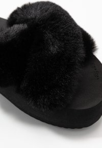 flip*flop - FAT CROSS  - Mules - black - 2