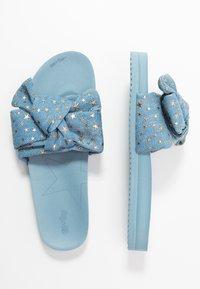 flip*flop - POOL BOW  - Pantofle - light denim - 1
