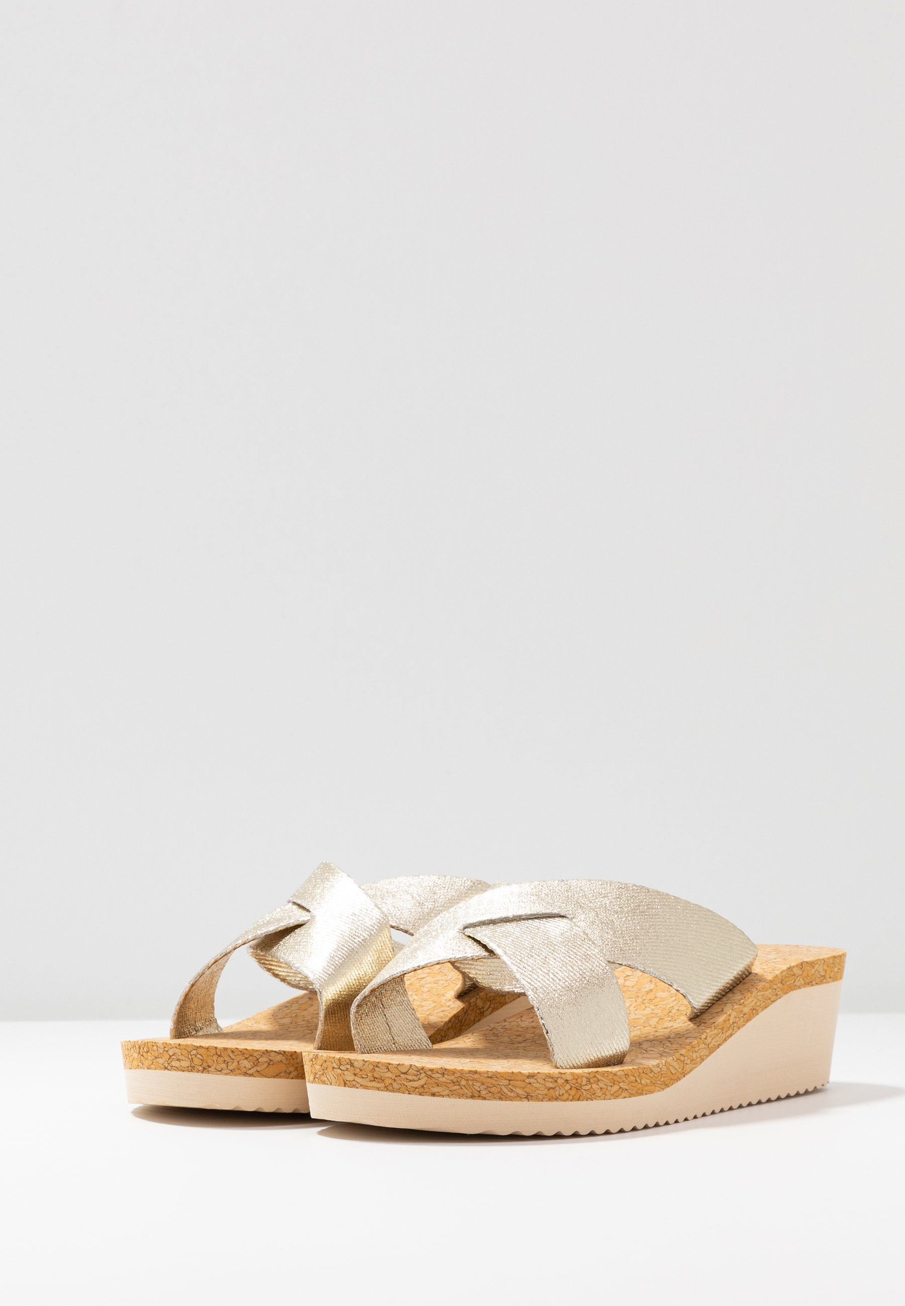 flip*flop LOW WEDGE  - Mules - gold