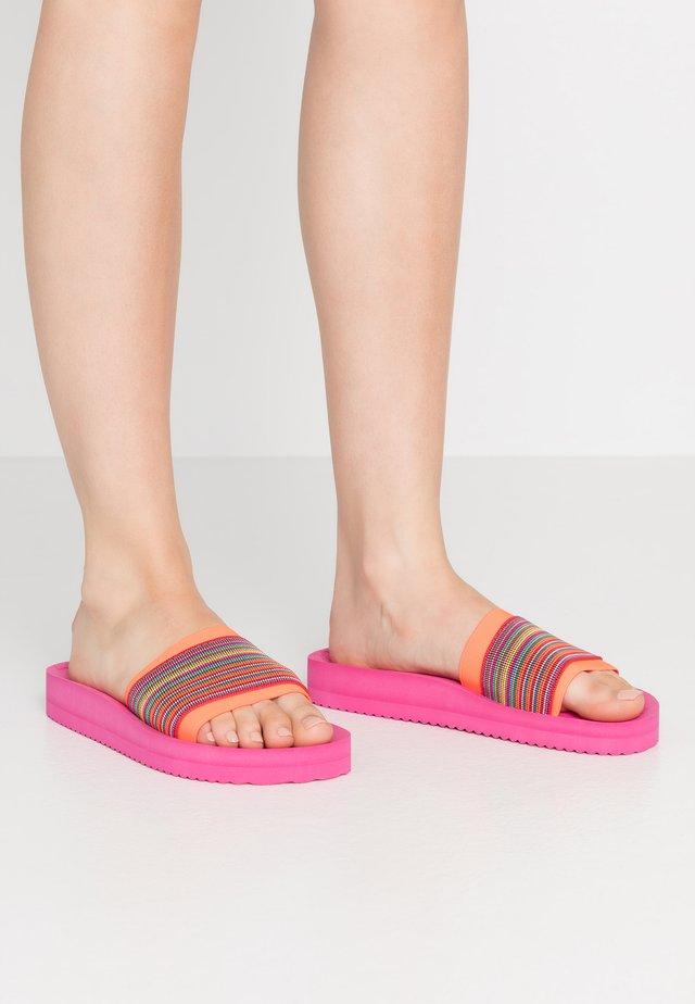 POOL GORE - Pantolette flach - neon lilac
