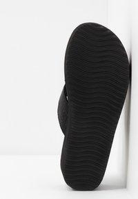 flip*flop - WEDGE CROSS - Korolliset pistokkaat - black - 6