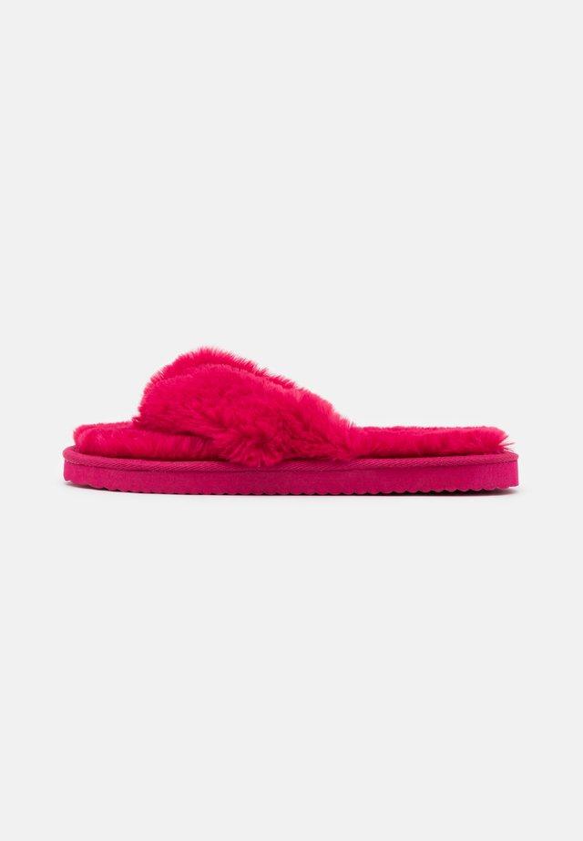 ORIGINAL  - Kapcie - berry pink