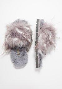 flip*flop - HAIRY POOL - Slippers - steel - 3