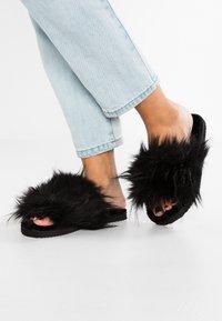 flip*flop - HAIRY POOL - Slippers - black - 0