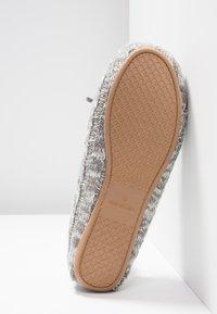 flip*flop - LOAFER - Pantofole - grey - 6