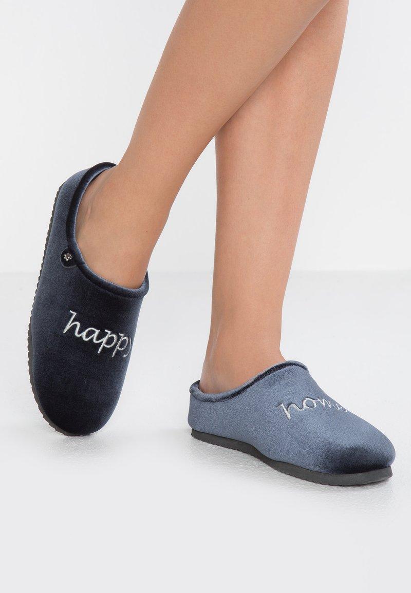 flip*flop - HOMESTAY WORDS - Pantoffels - steel