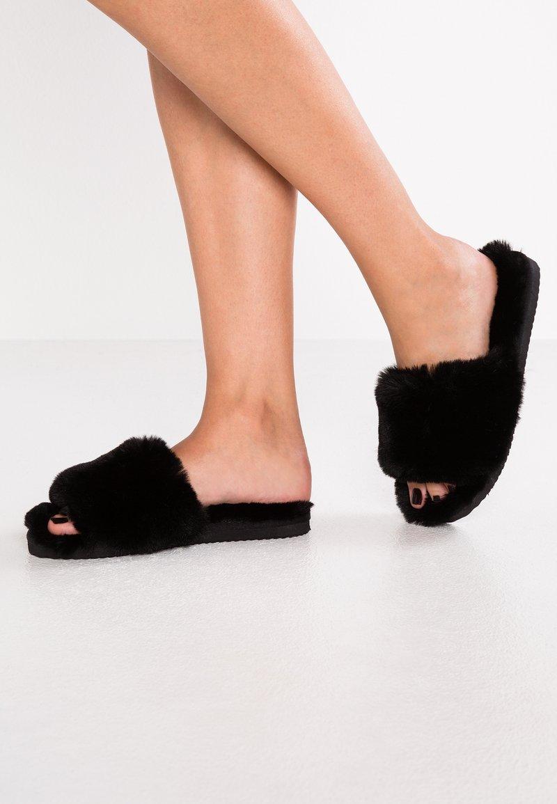 flip*flop - SLIDE - Hausschuh - black