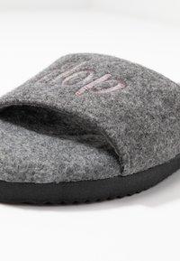 flip*flop - POOLY LOGO - Pantoffels - light grey - 2