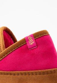 flip*flop - WIGWAM - Slippers - cognac - 2