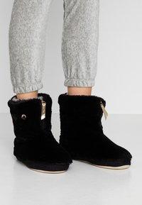 flip*flop - COTTAGE MATE ZIP - Pantoffels - black - 0