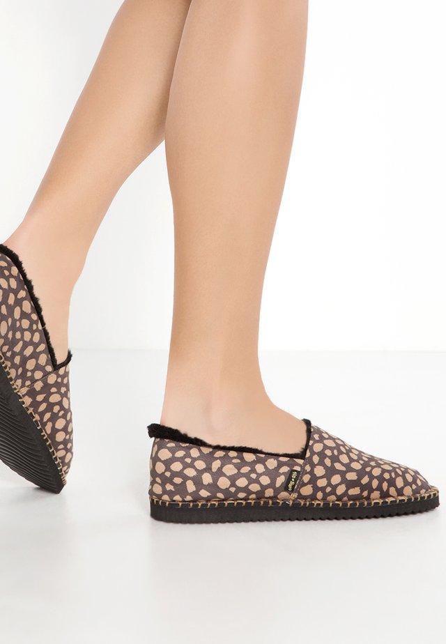 FLIPPADRILLA - Slippers - black