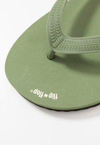 flip*flop - ORIGINALS BOLD - Japonki kąpielowe - olive/black - 5