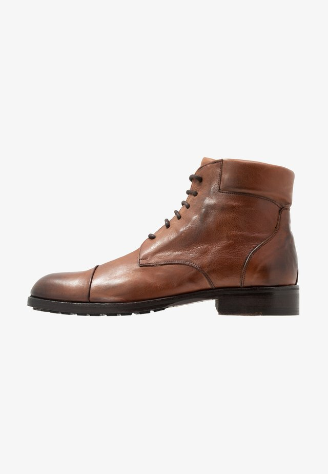 CANYON - Veterboots - tan