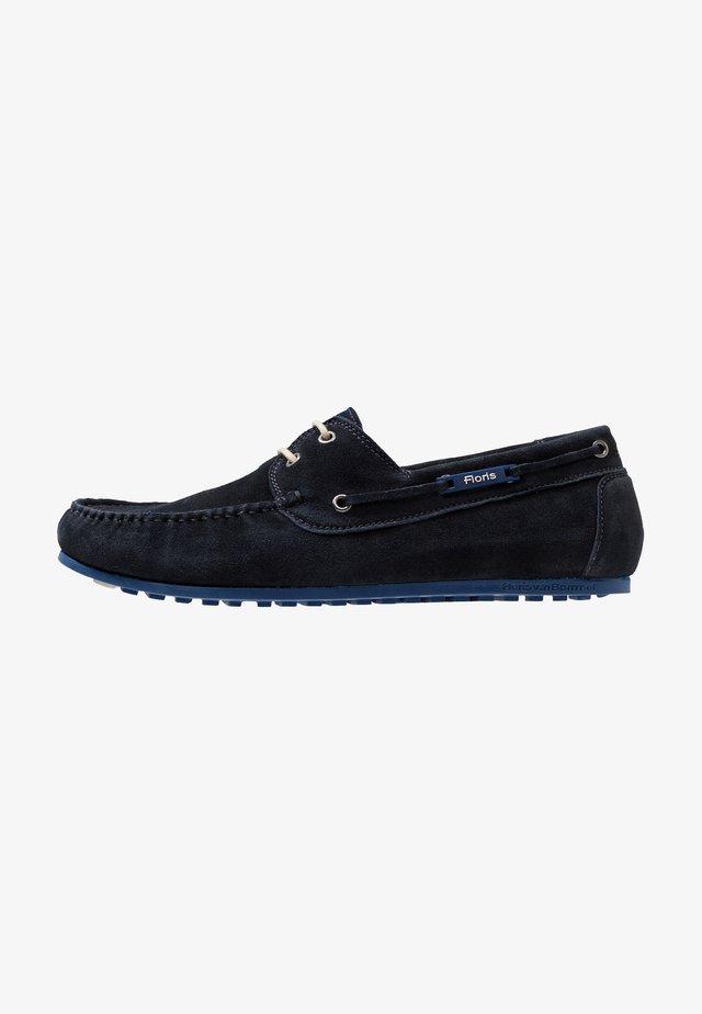 MOKKI - Boat shoes - dark blue