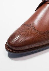 Floris van Bommel - Business sko - dark cognac - 5