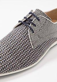 Floris van Bommel - Volnočasové šněrovací boty - grey - 5
