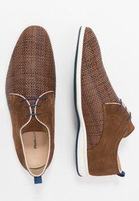 Floris van Bommel - Volnočasové šněrovací boty - brown - 1