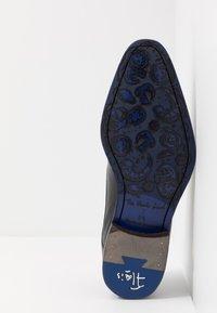 Floris van Bommel - Eleganckie buty - black - 4