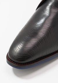 Floris van Bommel - Eleganckie buty - black - 5