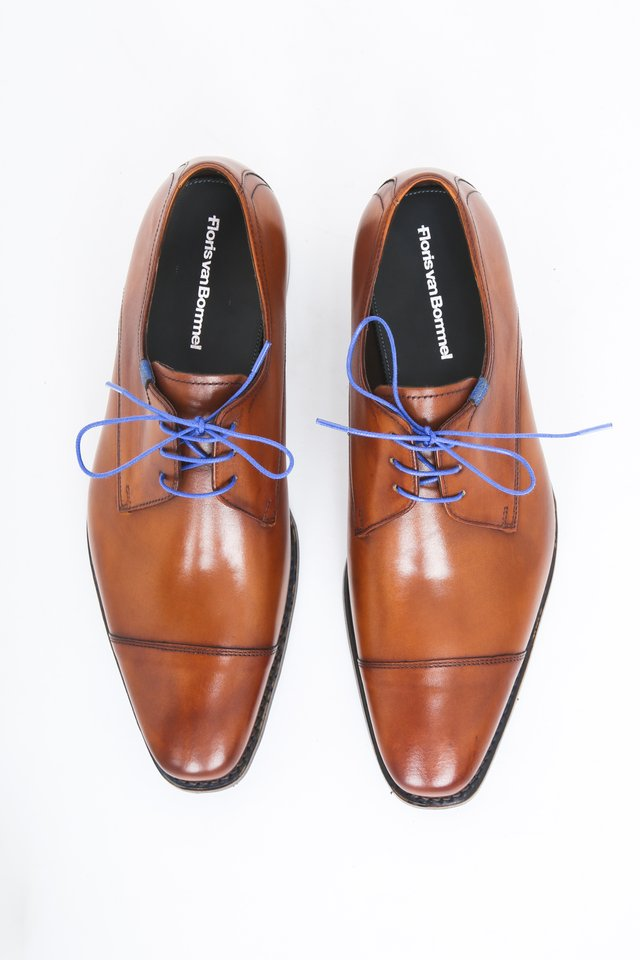 Smart lace-ups - cognac calf