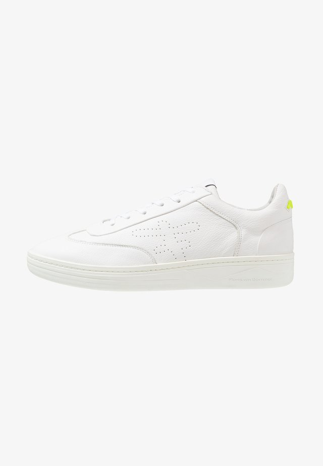 WEMBLI - Sneakers - white grain
