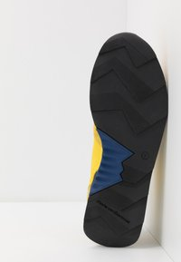 Floris van Bommel - Baskets basses - yellow - 4
