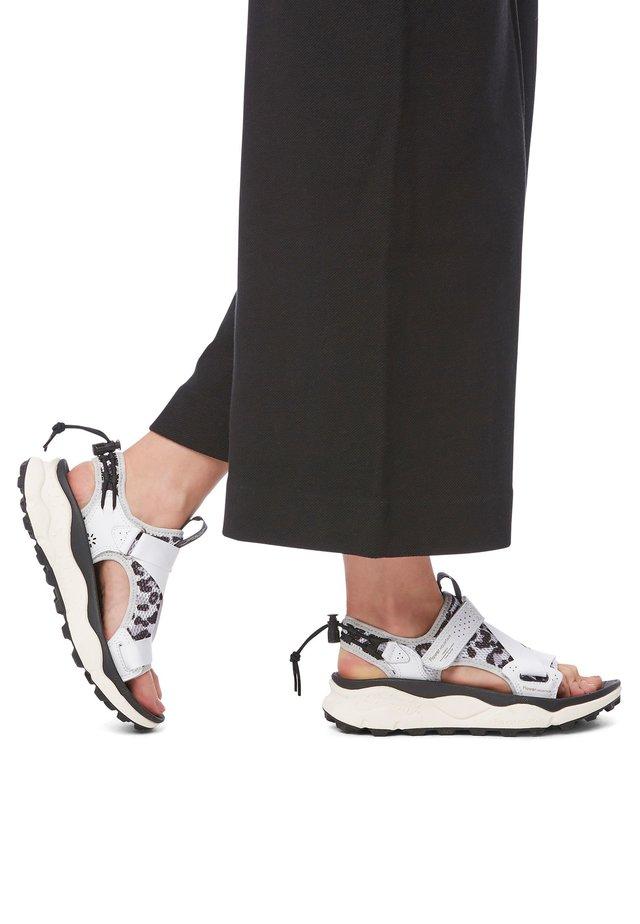 NAZCA - Sandales de randonnée - white