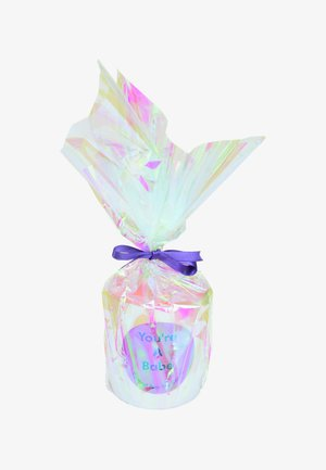 CANDLE - Duftlys - you're a babe - white coconut rose