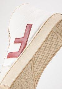 Flamingos' Life - EL CAMINO - Sneakers hoog - burgundy/ivory - 5