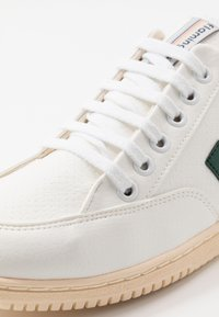Flamingos' Life - ROLAND - Trainers - green/ivory - 5