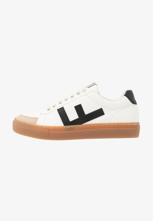 CLASSIC 70'S - Matalavartiset tennarit - white/black/caramel