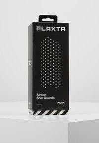 Flaxta - AIRCON - Fotbollsbenskydd - white - 5