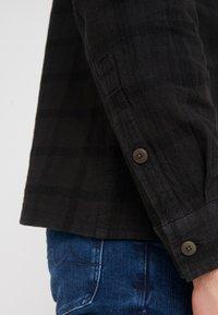 Folk - PATCH  - Skjorta - black overdyed - 4