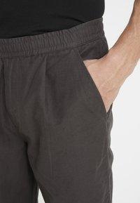 Folk - ALBER PANT - Trousers - charcoal - 4