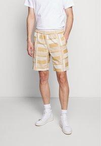 Folk - DRAW SHORT - Shorts - marigold - 0