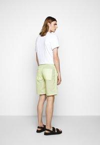Folk - Shorts - lichen - 2