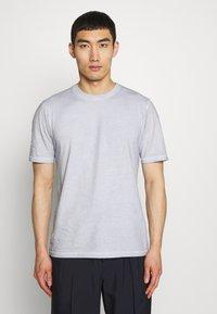 Folk - CONTRAST SLEEVE TEE - Print T-shirt - cold dye mist - 0