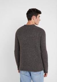 Folk - TEXTURED CREW - Pullover - black - 2