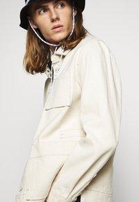 Folk - PLINTH JACKET - Summer jacket - ecru - 3