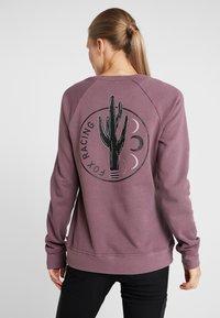 Fox Racing - WILD FREE CREW  - Sweatshirt - purple - 2